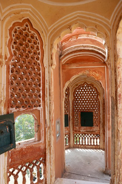 So many nooks and crannies and peepholes! - Hawa Mahal, Jaipur