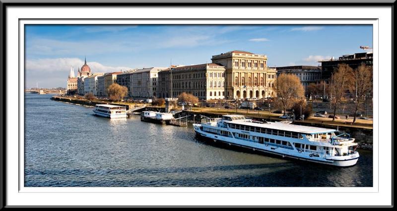Budapest-River-Front (56495774).jpg