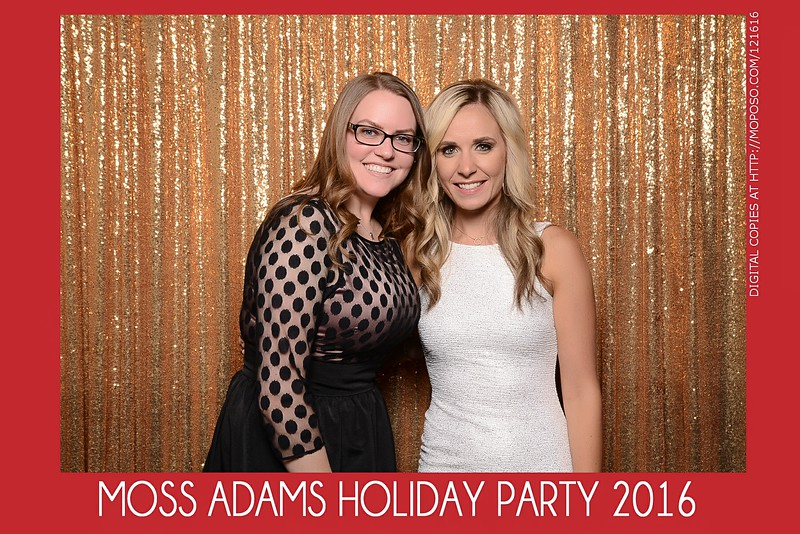 20161216_MOPOSO_Tacoma_Photobooth_MossAdamsHoliday16-67.jpg