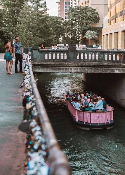 Locks couple boat.jpg