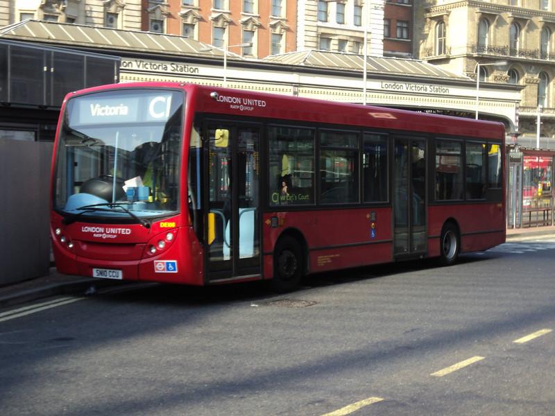 North Weald bus rally 005.JPG
