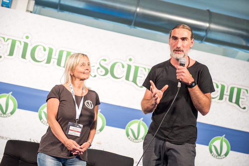 lucca-veganfest-conferenze-e-piazzetta-021.jpg