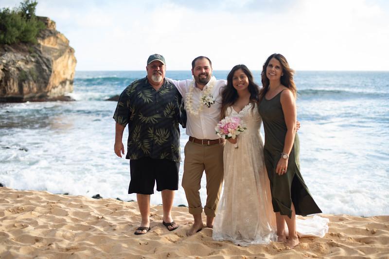 kauai wedding on shipwrecks-46.jpg