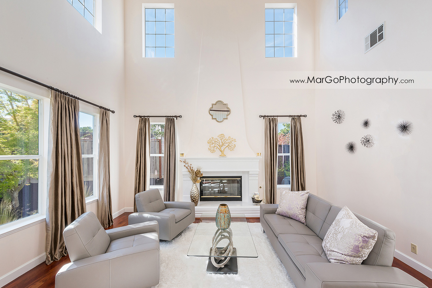 living room in San Ramon house - real estate photography