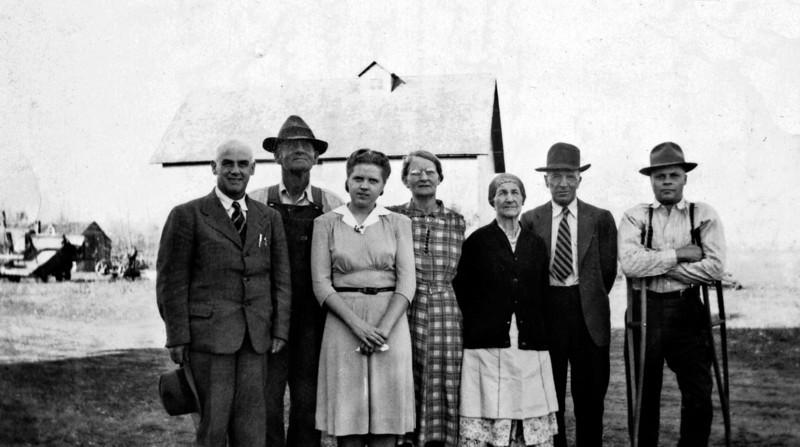Raymond Barney Pieper and Hattie Erickson and Lillie Elsie Pieper and Albert Erickson and Jim Moore Nov 1944.jpg