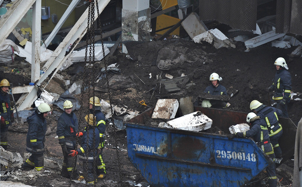 . Rescuers search for survivors at the scene where the Maxima supermarket roof collapsed in Riga on November 22, 2013.  AFP PHOTO/ILMARS ZNOTINS/AFP/Getty Images