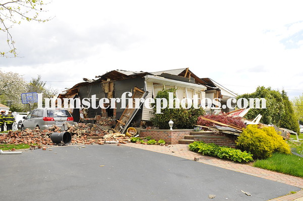 SYOSSET FD ALEXANDER DR HOUSE EXPLOSION
