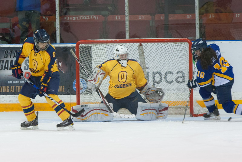 20130310 QWHockeyvsUBC 497.jpg