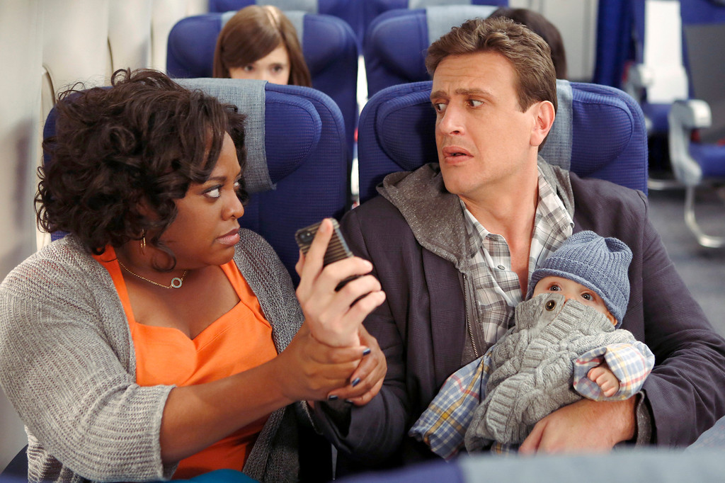 ". ""The Locket\"" -- Sherri Shepherd guest stars on  the ninth season premiere episode of HOW I MET YOUR MOTHER titled \""The Locket,\"" to be broadcast on Monday, Sept. 23 (8:00-8:30 PM, ET/PT).  Pictured: Sherri Shepherd, Jason Segel.  Photo: Cliff Lipson/CBS  ���©2013 CBS Broadcasting Inc. All Rights Reserved."
