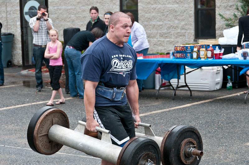 Fitness Revolution Strongman Challenge 2011_ERF3549.jpg