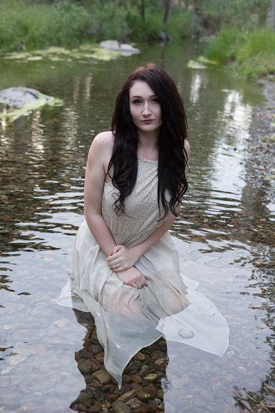 Abby Portrait Round Valley-_85A7147-.jpg