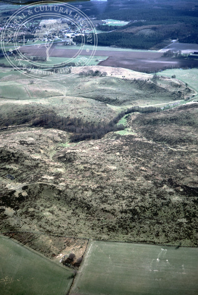 Maglehems ora [Ohra] - with plantations, buildings and prehistoric remains (24 May, 1985). | LH.0399