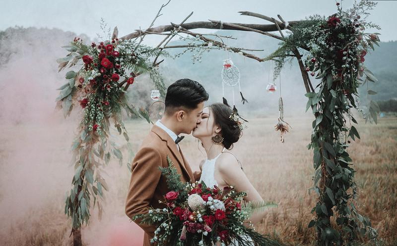 Tu-Nguyen-Destination-Wedding-Photography-Elopement-Vietnam-Pali-Louis-w-123.jpg