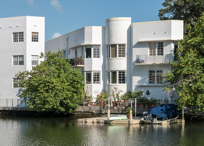 V3927 Miami Beach.jpg