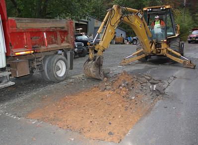 Road Work, Blue Mountain Road, Ashfield, East Penn Township (9-26-2012)