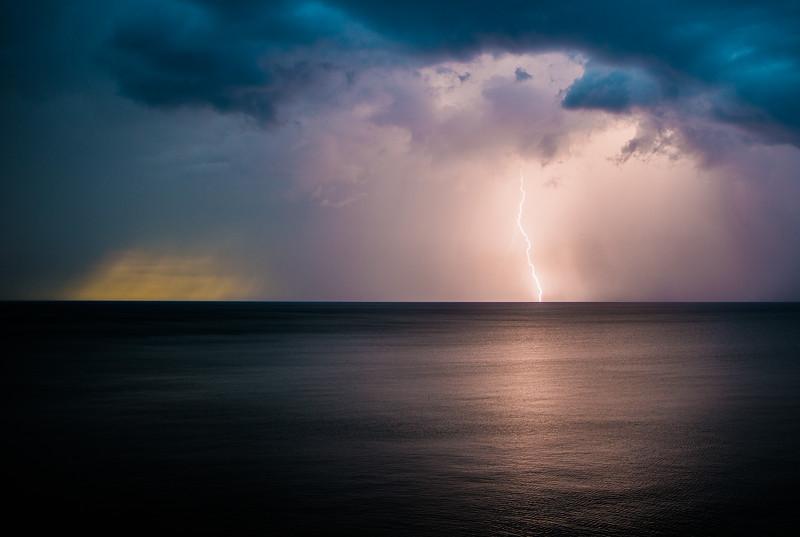 Sunsets and lightnig storms-6.jpg