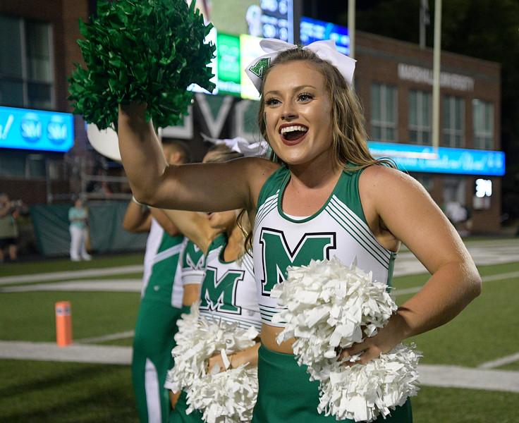 cheerleaders8841.jpg