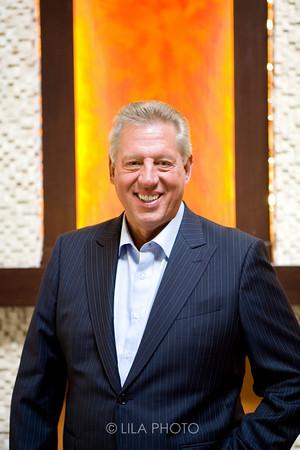 Author John Maxwell