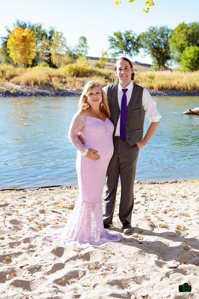Elizabeth & Timmy Maternity