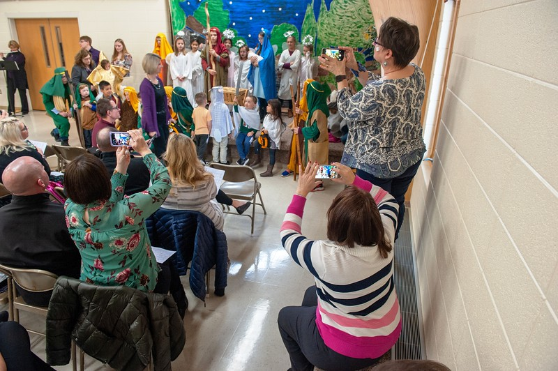 20191209 Faith Children Advent Family Gathering-8019.jpg