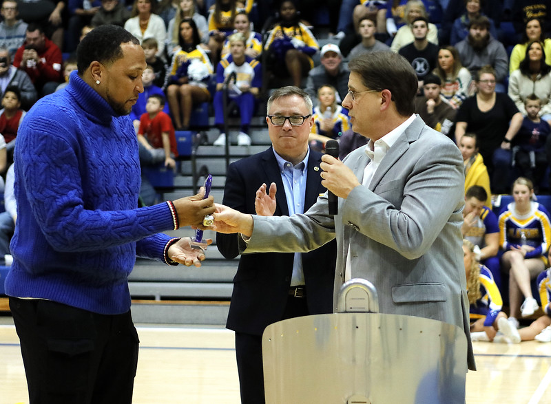 _MG_4639-Shawn Marion Award Presentation-2.jpg