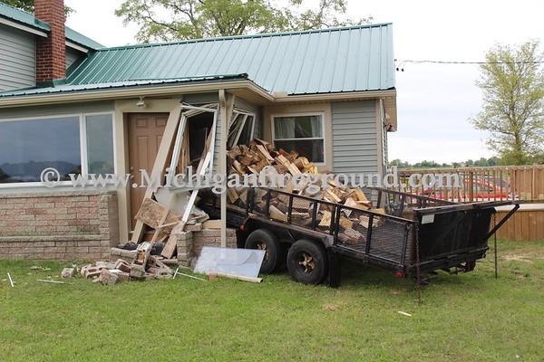 9/9/18 - Mason trailer vs house, 3038 Barnes Rd