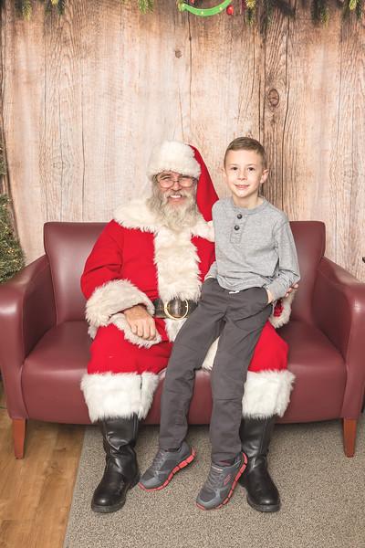 Ameriprise-Santa-Visit-181202-5083.jpg