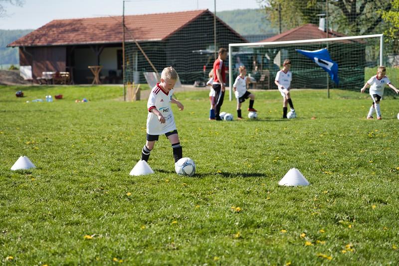 hsv-fussballschule---wochendendcamp-hannm-am-22-und-23042019-w-12_40764453943_o.jpg
