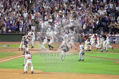 11/4/2001 - World Series Game 7 - New York Yankees vs. Arizona Diamondbacks - Bank One Ballpark, Phoenix, AZ
