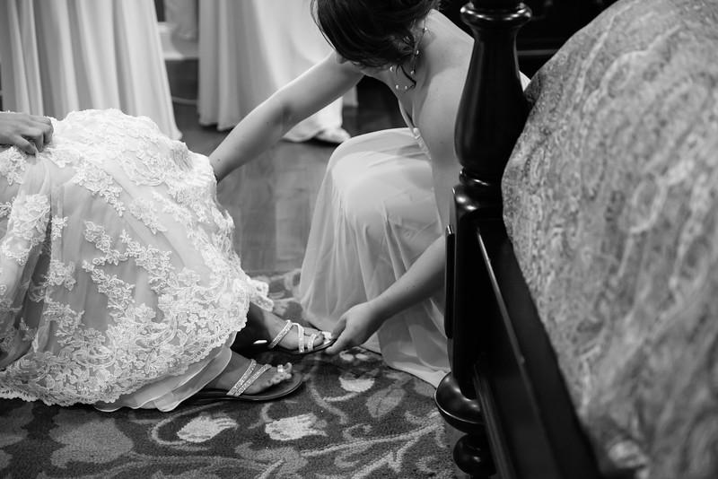 138_Daniel+Mia_WeddingBW.jpg