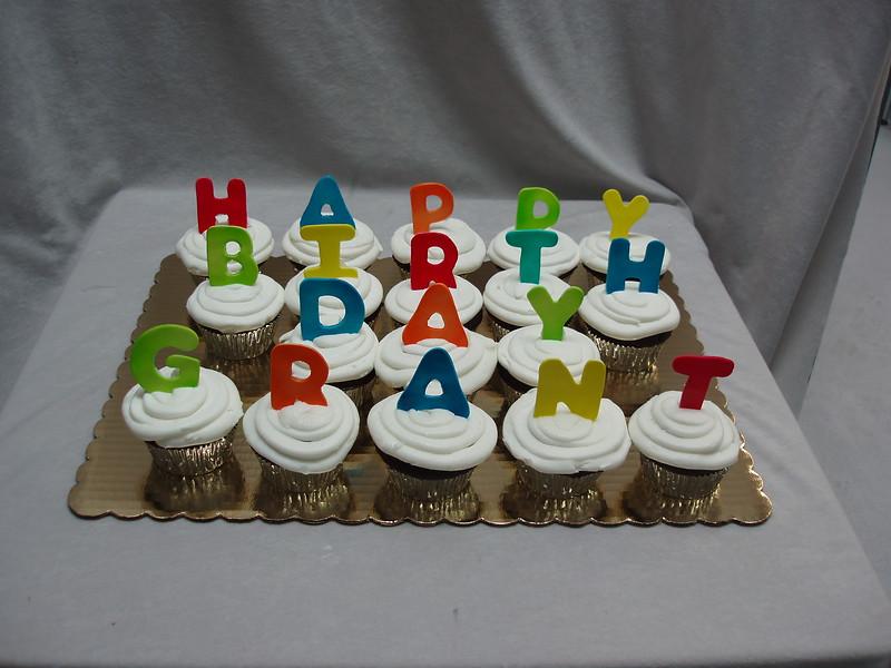 Cupcake (200).JPG