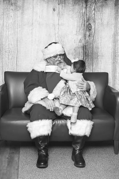 Ameriprise-Santa-Visit-181202-5054-BW.jpg