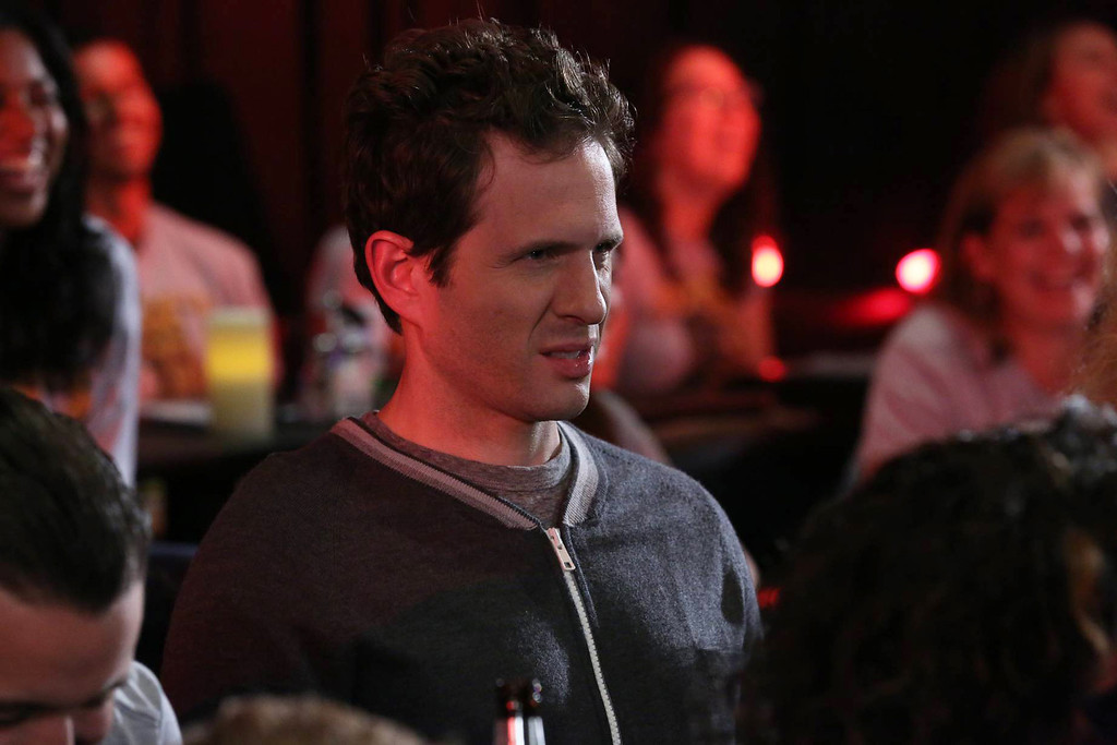 . IT\'S ALWAYS SUNNY IN PHILADELPHIA The Gang Broke Dee - Episode 1 (Season Premiere - Wednesday, September 4, 10:00 pm e/p) -- Pictured: Glenn Howerton as Dennis Reynolds -- CR: Patrick McElhenney/FX