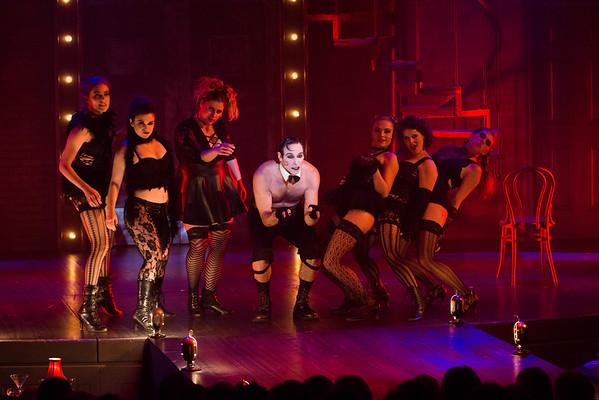 Cabaret, Performance