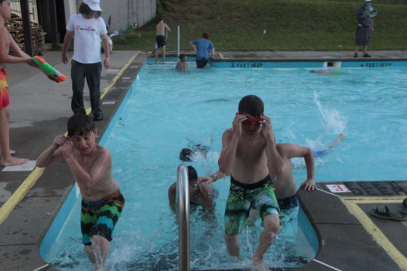 kars4kids_thezone_camp_2015_boys_boy's_division_swimming_pool_ (81).JPG