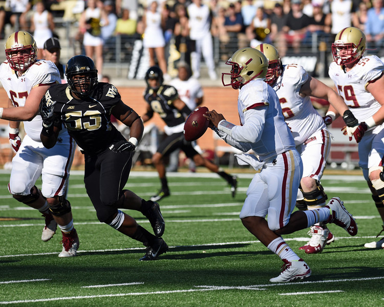 Duke Ejiofor chases BC QB Tyler Murphy.jpg