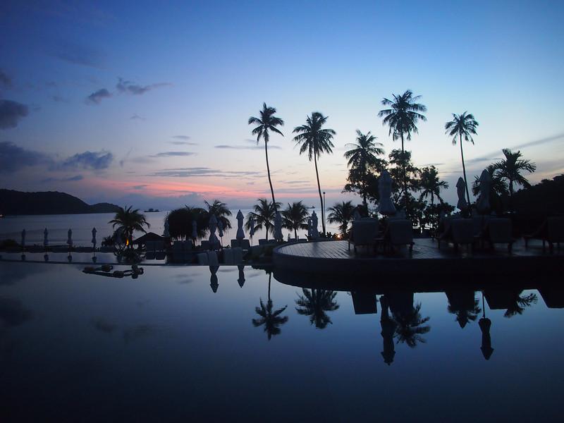 PA012491-pool-sunrise.JPG