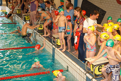 Estafette Zwemmen