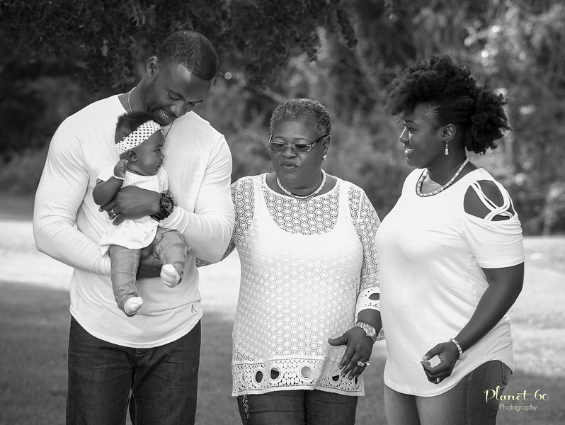 Sasha's Family Mother's Day Shoot-11.jpg
