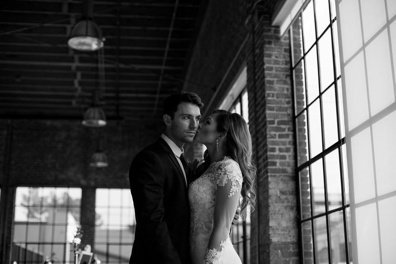 Kate&Josh_B&W_ZACH.WATHEN.PHOTOGRAPHER-300.jpg