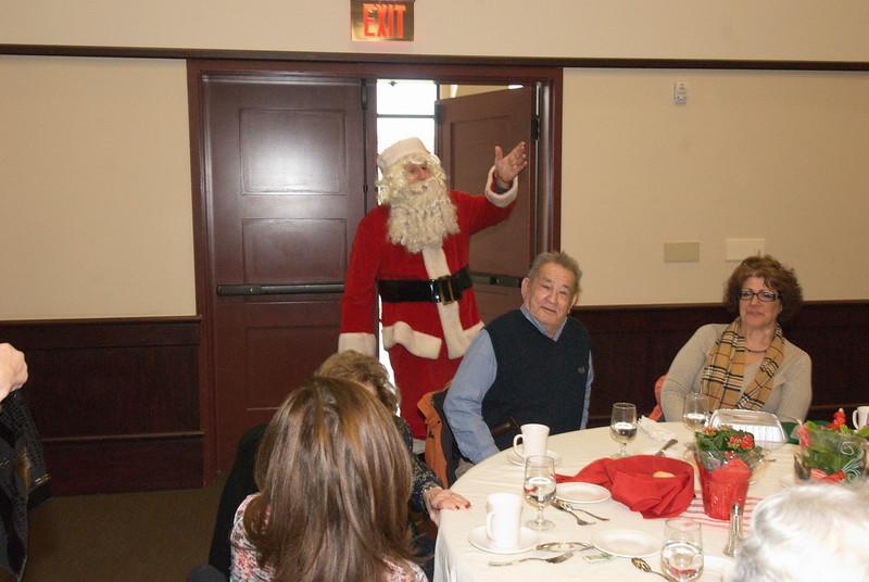 2014-12-04-Philtopchos-Seniors-Christmas-Luncheon_008.jpg