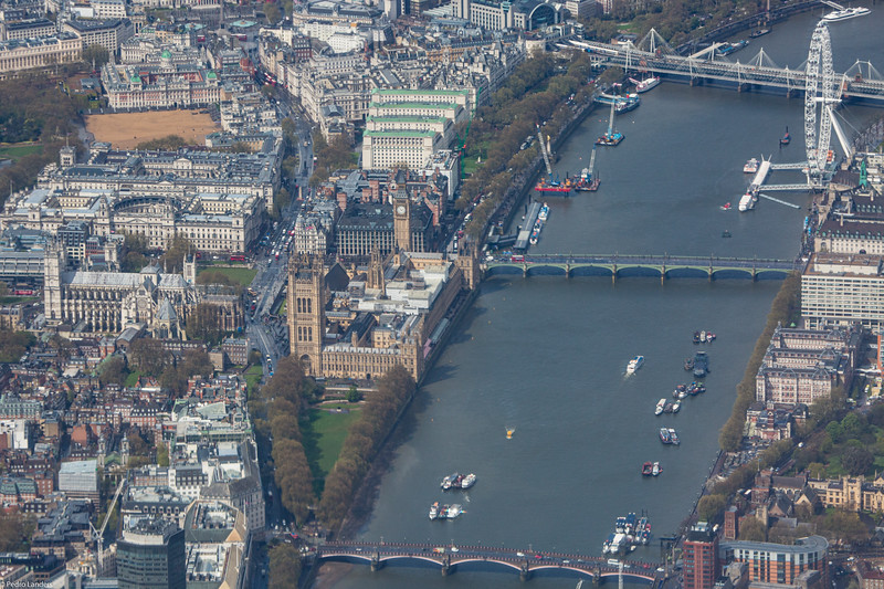 The River Thames at Westminster.jpg