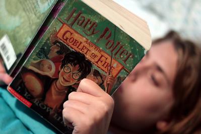 20100823 Reading Harry Potter