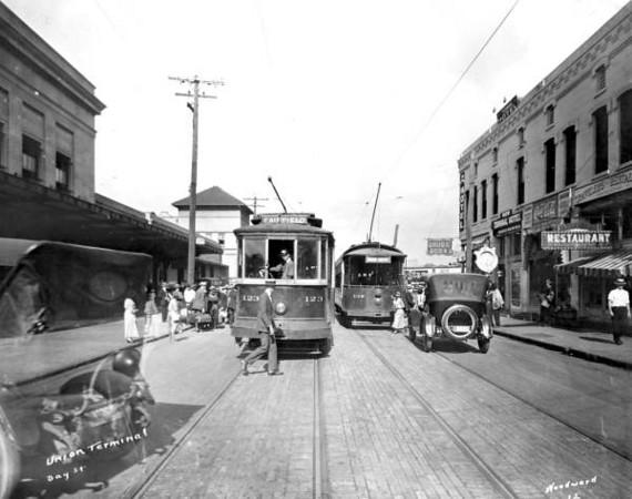 Bay-1921.jpg