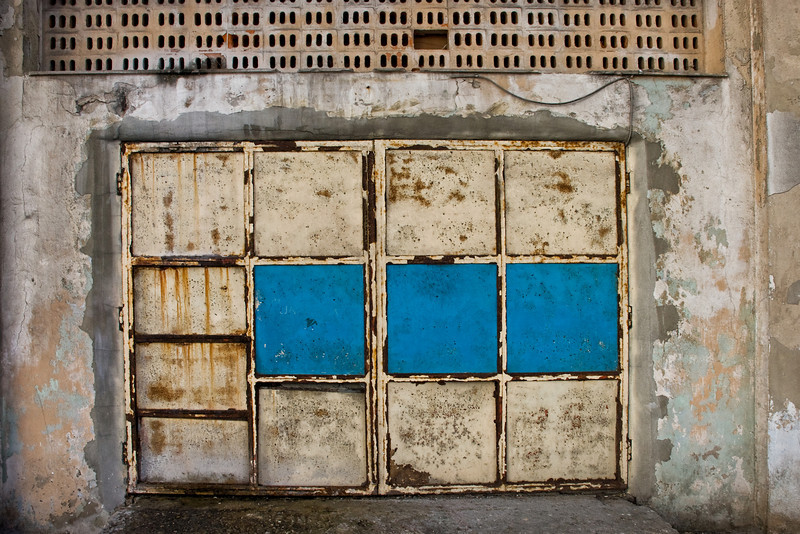 Cuba garage door 9188.jpg
