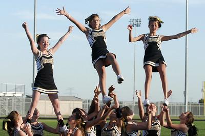 2006 7th-grade SMS football plus cheerleaders