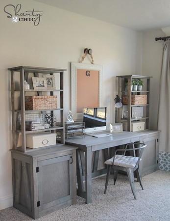 2016 12-23 Pamela's new desk for Christmas