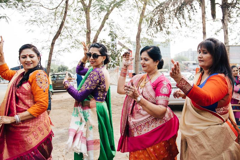 Poojan + Aneri - Wedding Day EOSR Card 1-0573.jpg