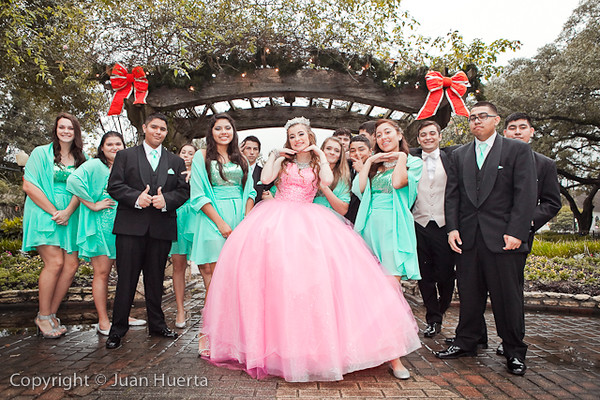 QUINCEANERAS EVENT DAY