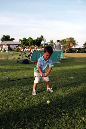 Tommy y su segunda sesion de Golf
